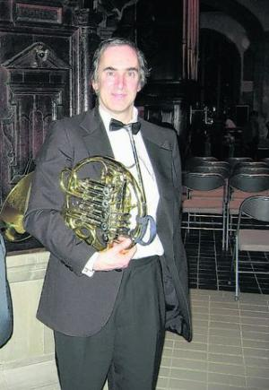 Geoffrey Bushell, conductor - and French horn player